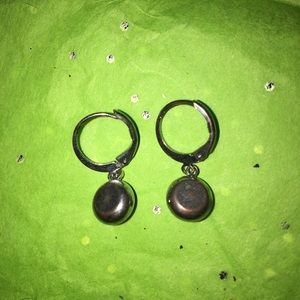Jewelry - Cute little hoops with black dangle stone